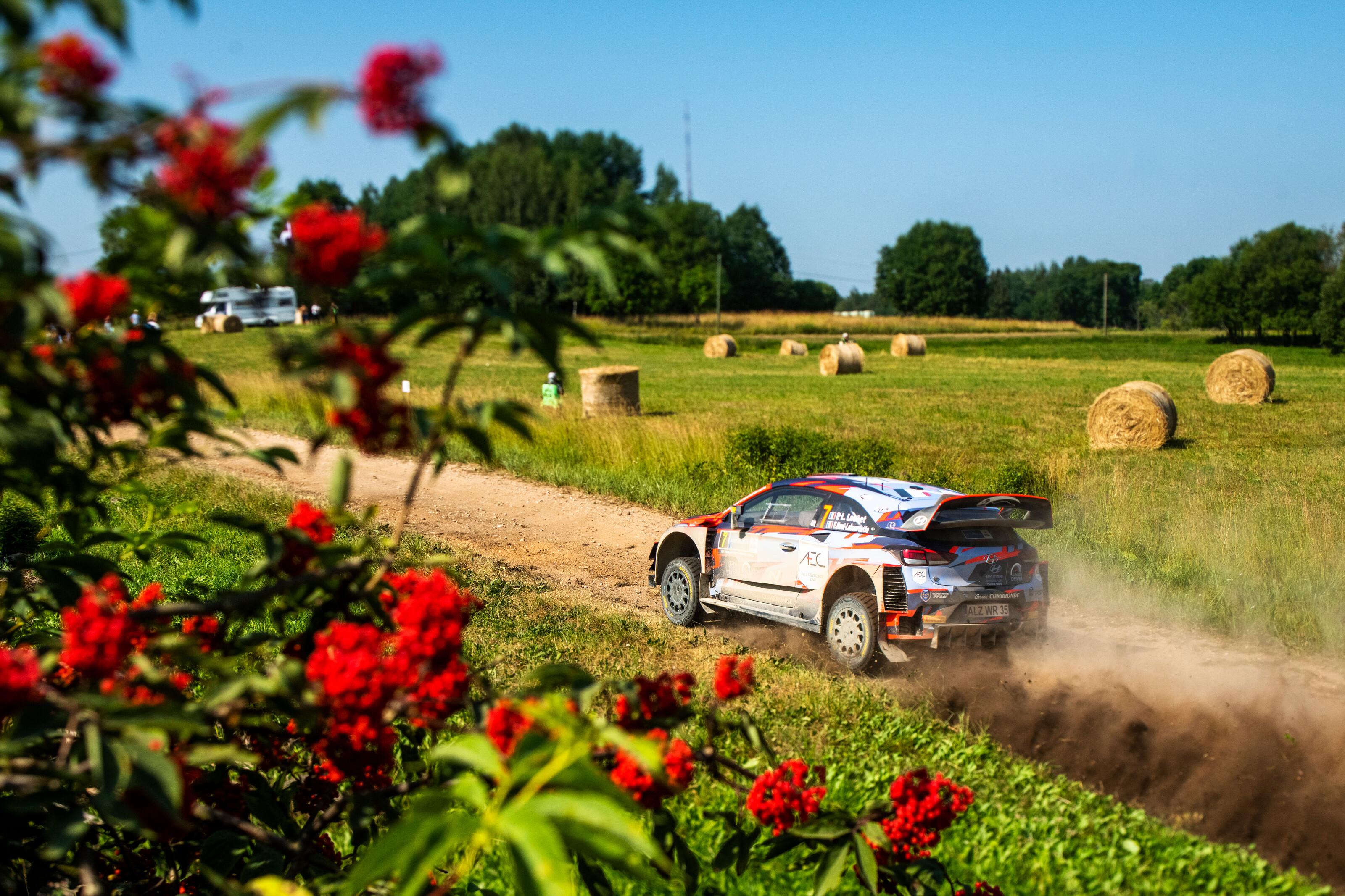 WRC: 11º Rally Estonia [15-18 Julio] - Página 3 150721_LoubetSS1