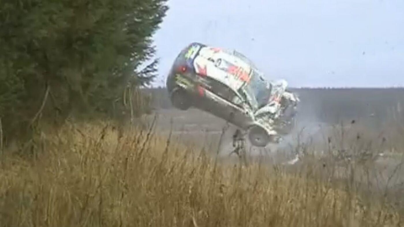 212ac2330_ColinMcRae-RallyGB-2001_014_89
