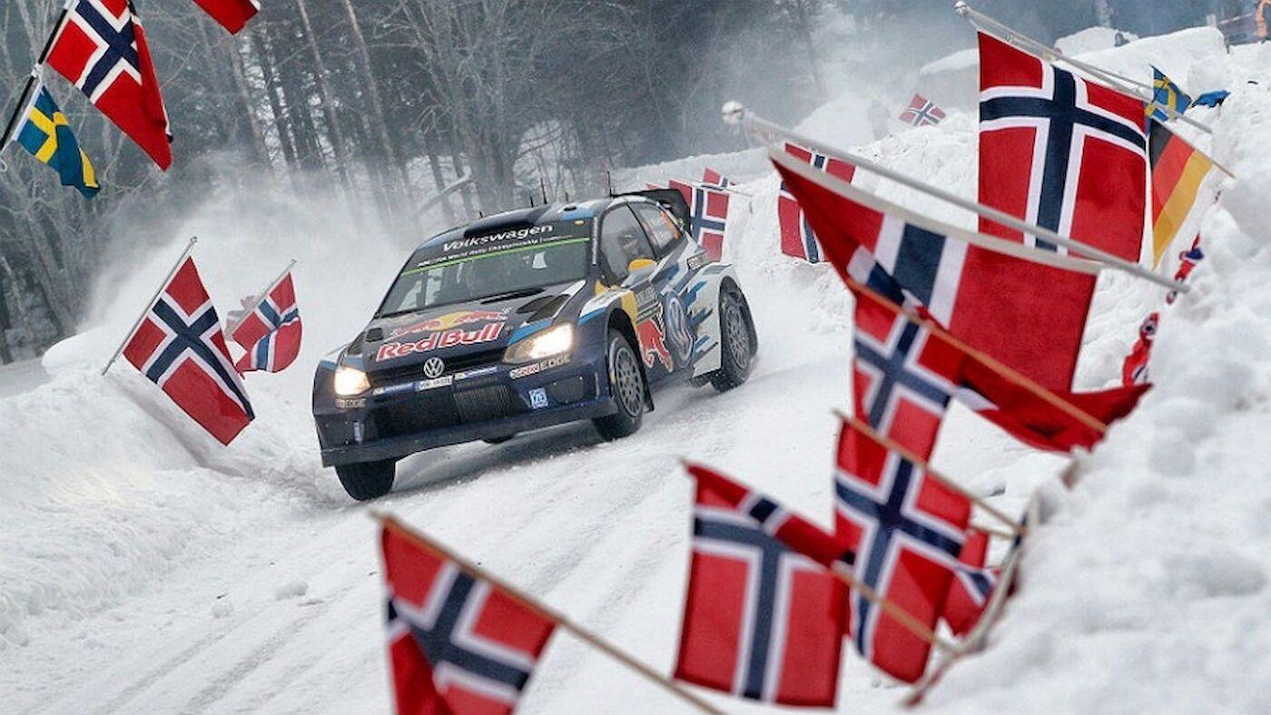 Mikkelsen leads after drama in Sweden