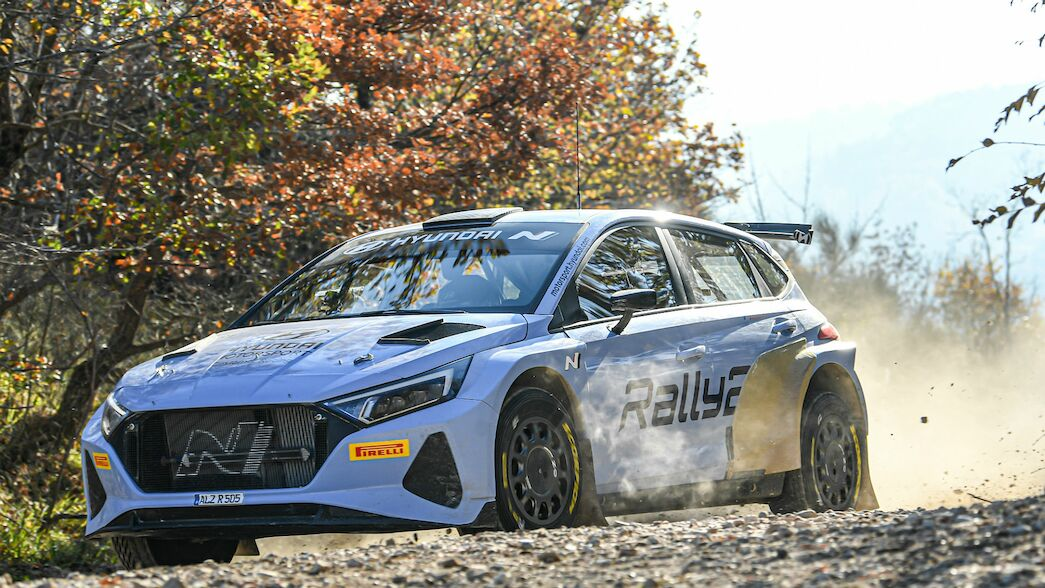 Tänak and Huttunen trial new Hyundai i20