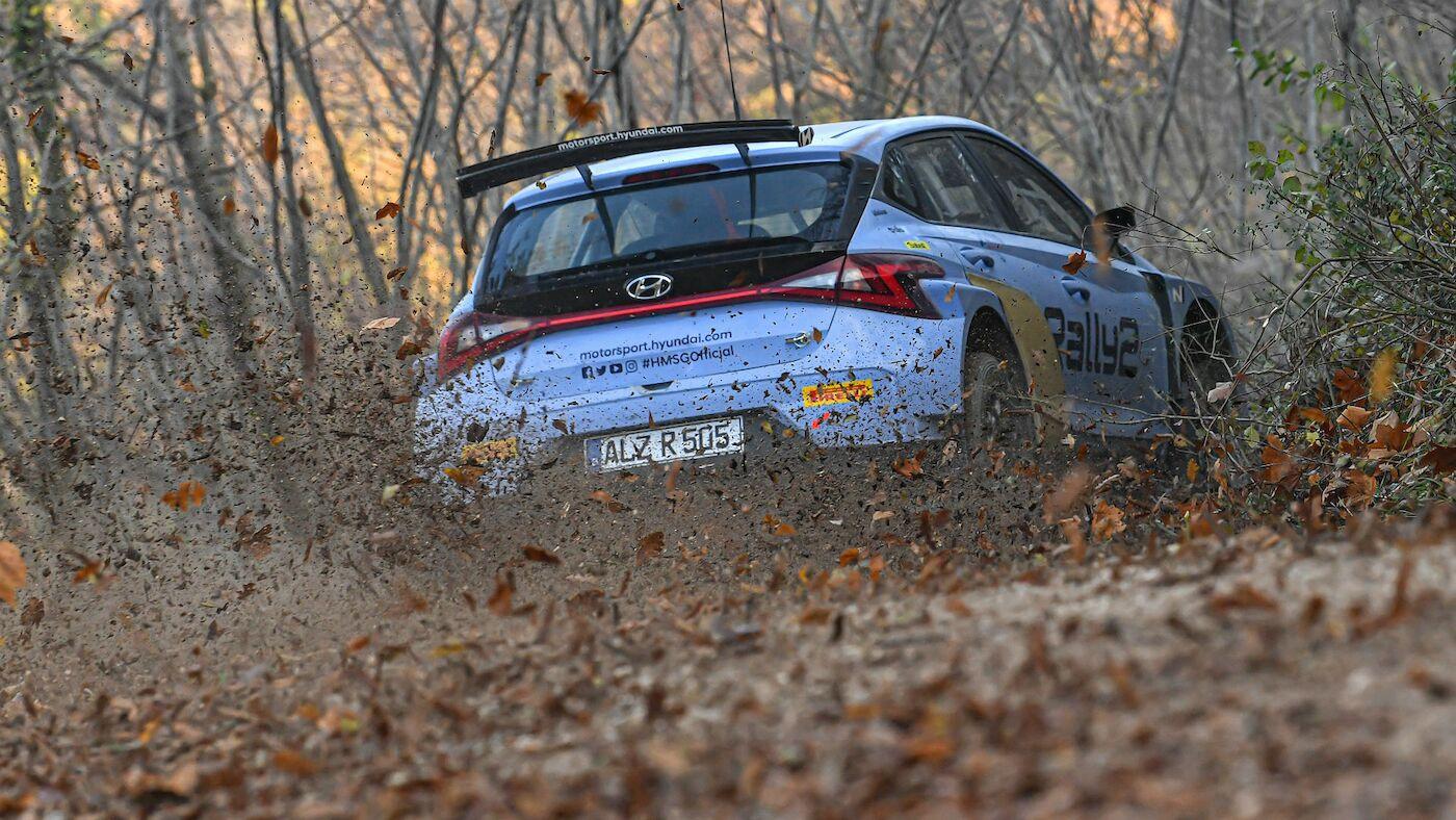 301120_Hyundai-i20Rally2-Test_003_76e85_