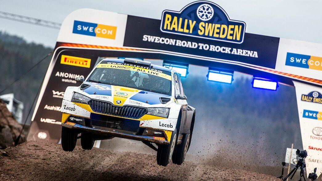 Los campeones del mundo encabezan un Rallye de Suecia limitado