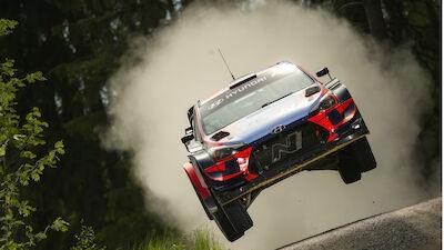 Tänak and Neuville finish Hyundai test