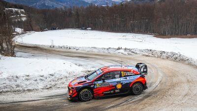Tänak and Neuville enter Arctic warm-up rally