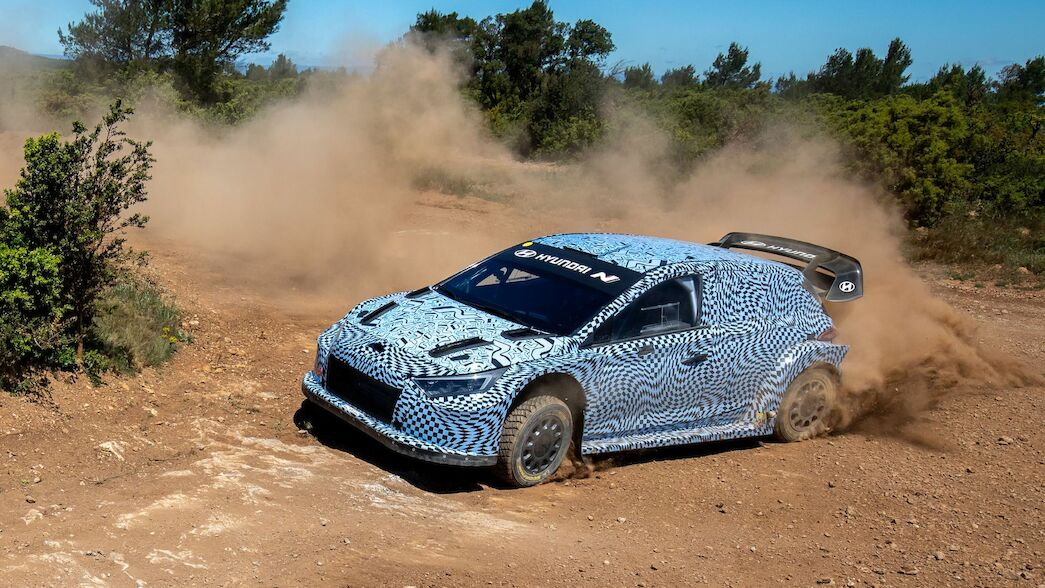 Hyundai's hybrid challenger completes first test