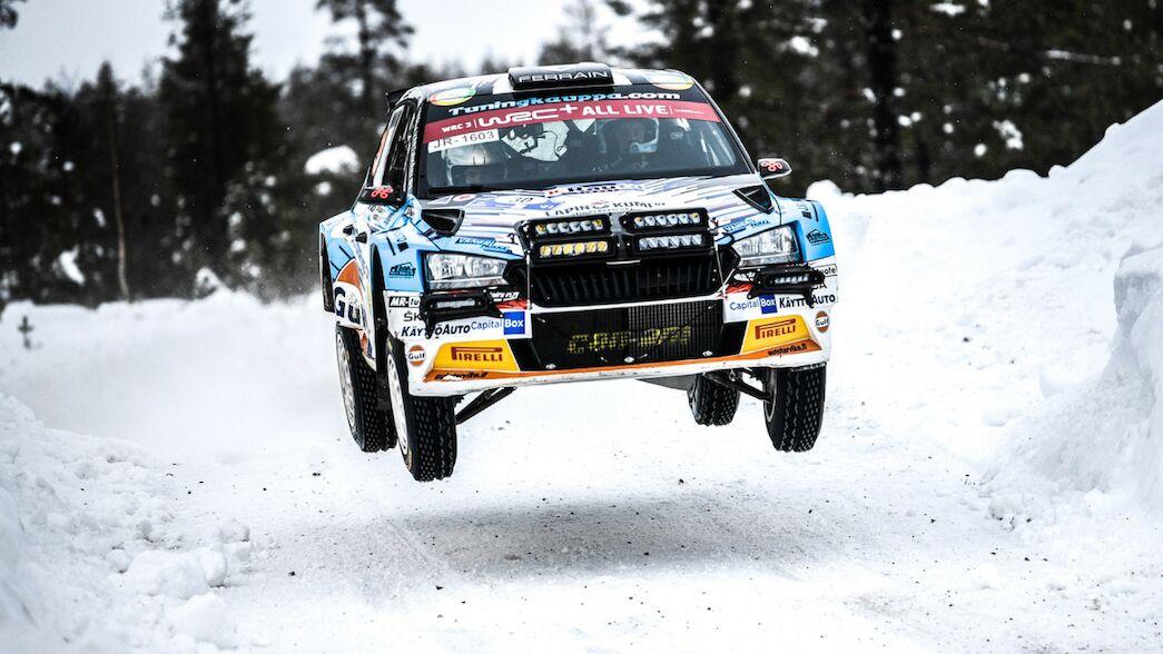WRC3: Asunmaa avanza mientras sus rivales flaquean
