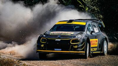 Fotos de los test de Pirelli